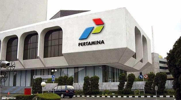 Pusat Bisnis Indonesia: Profil PT Pertamina (Persero)  PT Pertamina (Persero) adalah sebuah BUMN yang dahulu bernama Perusahaan Pertambangan Minyak dan Gas Bumi Negara yang menempati urutan ke 122 dalam Fortune Global 500 pada tahun 2013. Pertamina adalah hasil gabungan dari perusahaan Pertamin dengan Permina yang didirikan pada tanggal 10 Desember 1957.