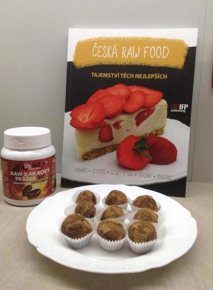 Raw Date Balls- delicious raw health sweet without sugar