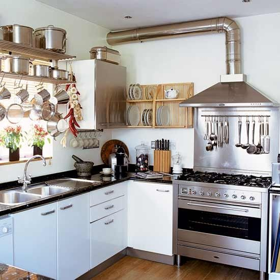 Kitchen love. Everything out in the open, within easy reach for a cozy lived in feel.