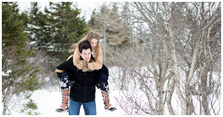 couples photos in snow