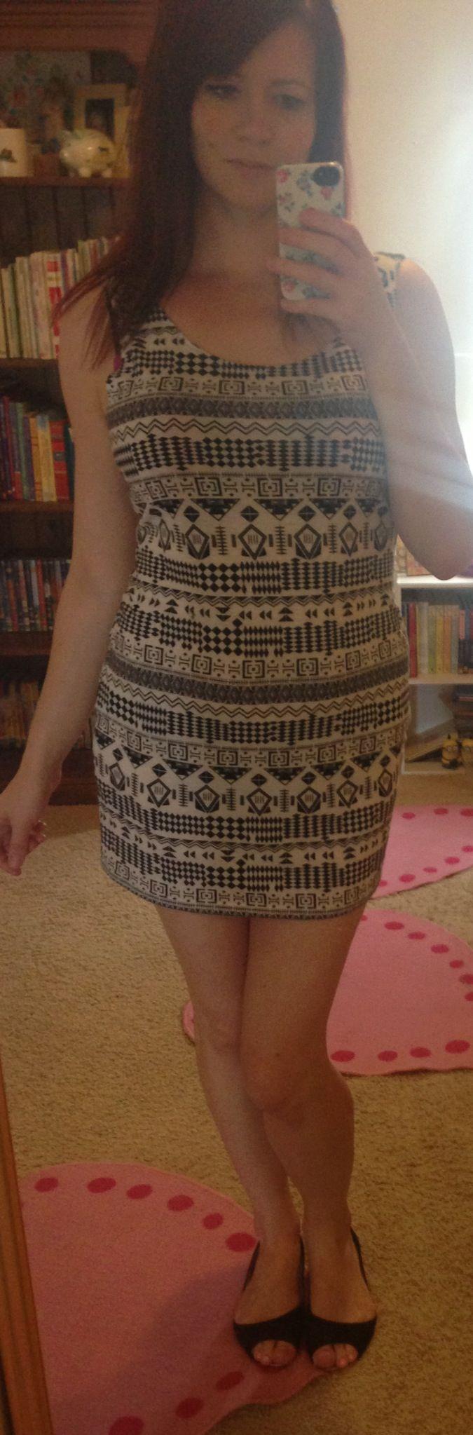 24/9/13 Kenji dress, Rubi flats. I felt just so meh today.