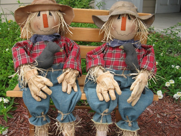 I loved making these scarecrows, they are a Sweet Meadows Farm pattern.