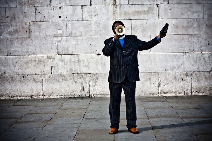 LE TOUR D'HORIZON SUR LES ONDES DU 92,7FM: à 12 h 30, j'ai parlé de la liberté d'expression et de la condamnation de la haine  L'édition du mardi 14 février est accessible en tout temps sur: http://ericlanthier.net/proteger-la-liberte-dexpression-et-condamner-la-haine/  Source image:  http://c1.staticflickr.com/6/5099/5542172347_382f03532d_b.jpg