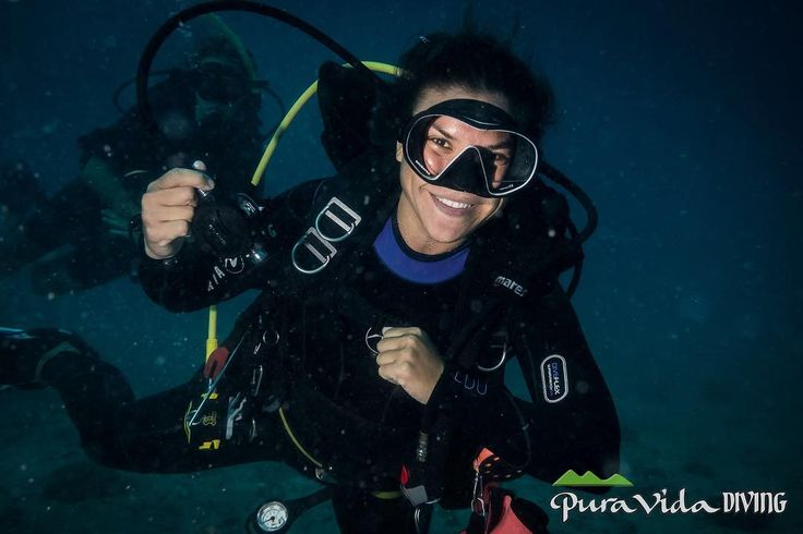Estamos hechos de Pura Vida y Alegría! Como nuestra Instructora Sahra que no para de sonreír hasta debajo del agua!. Así de contentos te esperamos esta temporada en Koh Tao      @damianalmua #oceans #scubadiving #love #diving #nature #ilovediving #photooftheday #saltwater #beautiful #ocean #ssi #adventure #travelgram #underwaterphotography #puravida #hechodepuravida #puravidakohtao #kohtao #thailand #beautifulthailand #puravidadiving #5años #moredeep#moredeep #divethailand #smile…