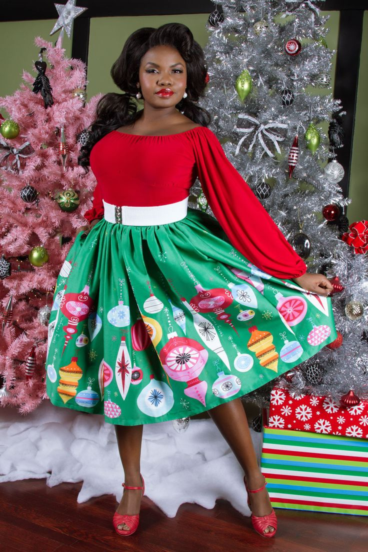 Pinup Couture Petite Bella Skirt in Green Ornament Border Print - Holly Jolly Holiday - Collections | Pinup Girl Clothing