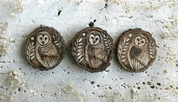 Just listed 🎀  Set of three Barn Owls ornaments to hang available now in my @Etsy shop 😊    #barnowls #handmade #rustichomedecor       https://www.etsy.com/it/listing/498033569/set-barbagianni-ornamenti-rustici-di