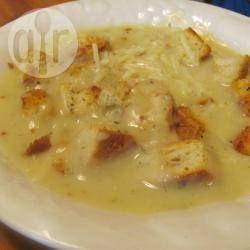 Фото рецепта: Картофельный суп с луком пореем
