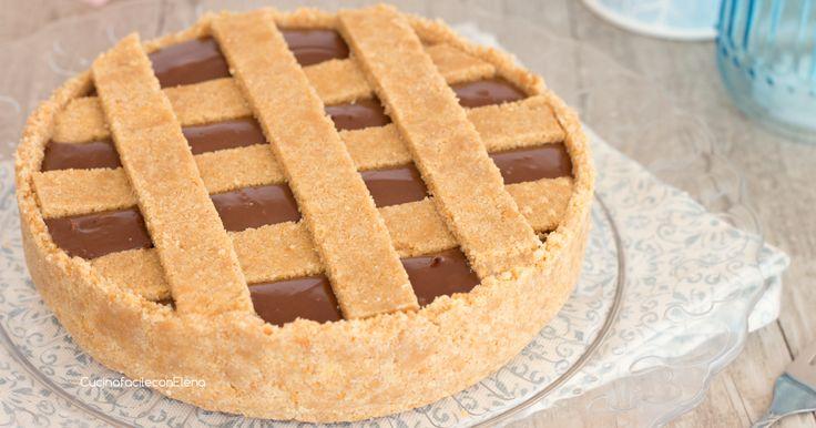 La crostata fredda alla Nutella è un dolce con un ripieno morbido e cremoso senza cottura e senza burro, è davvero favolosa!