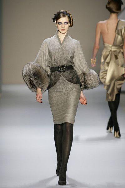 Monique Lhuillier at New York Fashion Week Fall 2008 - Runway Photos