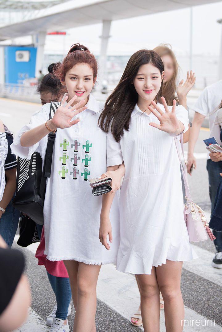 I.O.I Somi + Chaeyeon