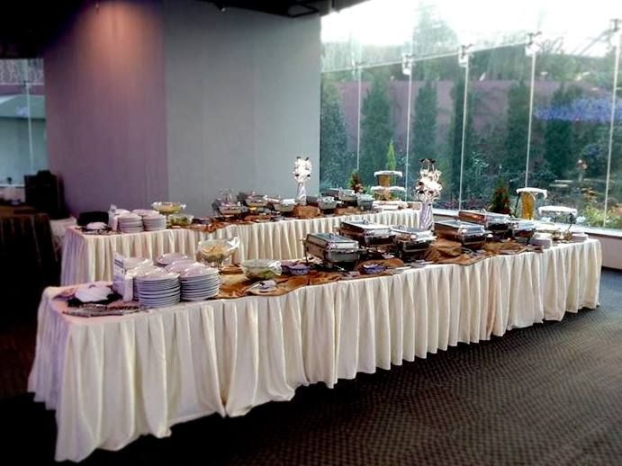 15 Wedding Caterers In Singapore That Will Impress Your Guests Buffet Set Up Buffet Set Party Table Settings