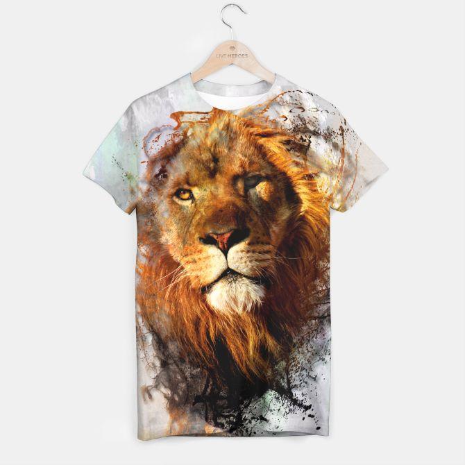 Water Splashed Lion