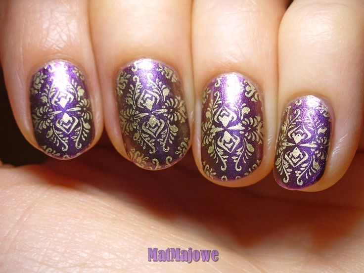 Stamping over Barry M Persian with gold using the Moyou London Fasionista plate 08 http://matmajowe.blogspot.com/2015/02/nsc4-purple-red.html