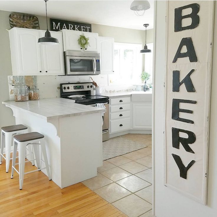 Best All Signs Point To Gorgeous In This Bright Kitchen With 640 x 480