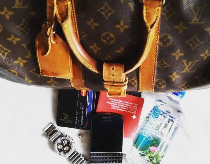 #inst10 #ReGram @confidencebusiness: Blackberry Q10 #blackberryQ10 #blackberry @martini_rinalducci: #louisvuitton #weekender #masterCard #certina #thomassabo #Fijiwater #artesianwater #mollerus #blackberry #swisspassport #original #flight #BlackBerryClubs #BBer