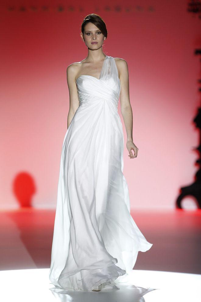 26 best Vestidos de novias images on Pinterest | Wedding frocks ...