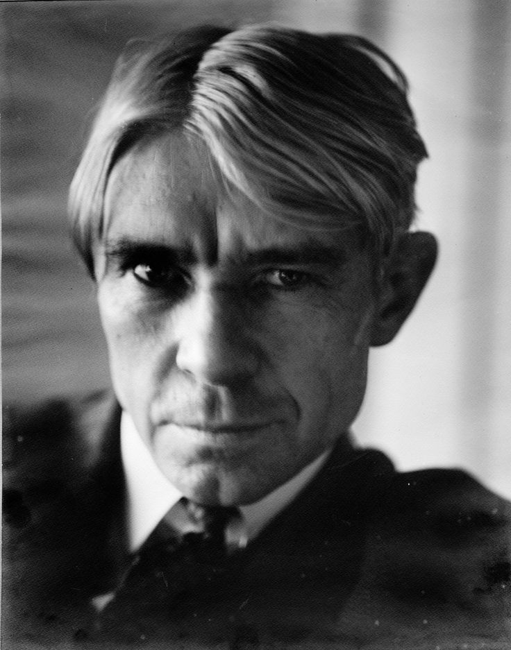 a biography of carl sandburg a novelist Writer receives a 15 percent discount in the park's bookstore  to carry on the  legacy of carl sandburg's works and life for the benefit of future.