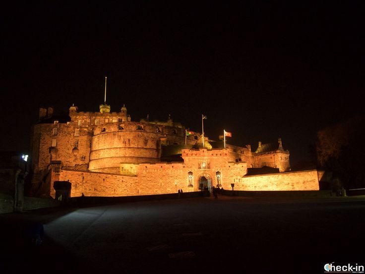 Il Castello di Edimburgo by night, #scozia