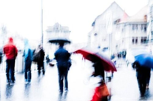 #Zurich street photographer Thomas Salzmanns (@thomassalzmann) rainy day 01 has been announced as a winner of The Print Swap by Feature Shoot! Submit to @theprintswap by tagging your images #theprintswap. If your image is chosen as a winner you will both give your print and receive a print by someone else. All prints are made at @skink_ink in #Brooklyn before being shipped around the world. Its free to apply though winners pay a total one-time fee of $40 which covers all expenses. More at…