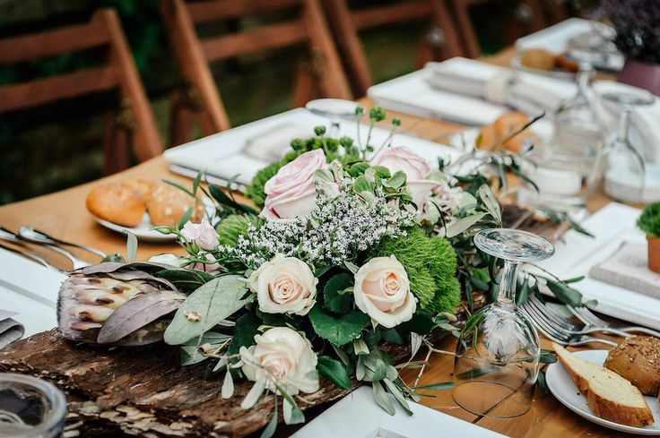 Wood and flower table decor