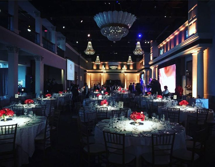 Florals by R5 Event Design for Canada's Walk of Fame 2017 Gala