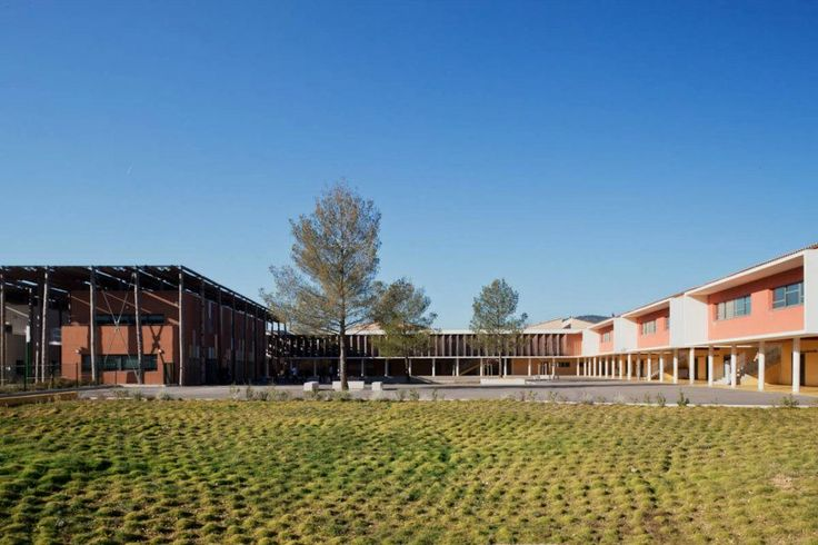 © 11h45 / Collège de Saint-Zacharie & Gymnase du collège de Roquebillière (06) - Mascherpa Architectes