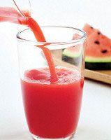 Recept Watermeloen Frambozen Smoothie. Het drinken van smoothies is een gemakkelijke manier  om aan je dagelijkse porties fruit te komen. Deze smoothie is heerlijk fris!