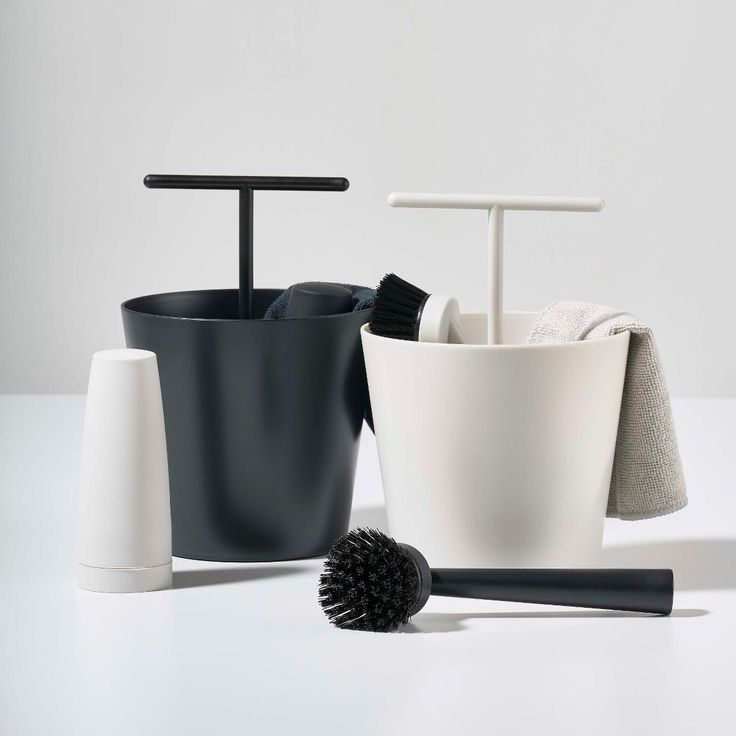 Designstuff offers a wide online selection of Scandinavian bathroom accessories, including this exclusive diswashing set by Zone Denmark.