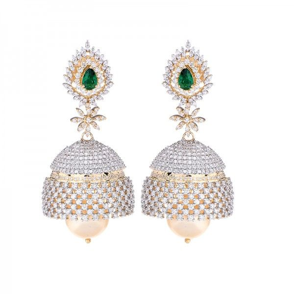 Dazzling #diamond #jhumkaearrings, fashioned in gleaming #18k yellow gold…