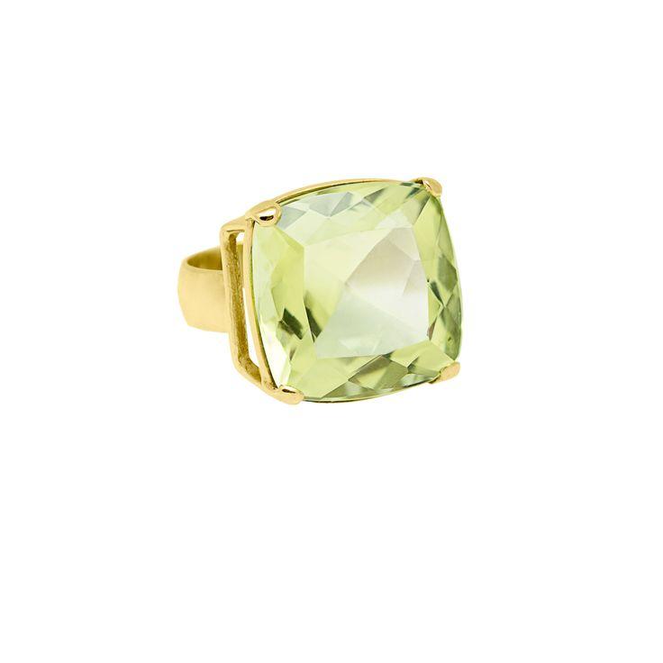 Anillo en plata 950 con baño de oro 18 kt y topacio green gold  http://sarahkosta.com/producto/anillo-en-plata-950-con-bano-de-oro-18-kt-y-topacio-green-gold/