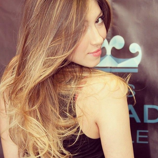 Chi indossa in Degradé Joelle ama i capelli sani e lucidi.  #cdj #degradejoelle #tagliopuntearia #dettaglidistile #welovecdj #shooting #beautifulhair #naturalshades #hair #hairstyle #hairstyles #haircolour #haircut #fashion #longhair #style #hairfashion