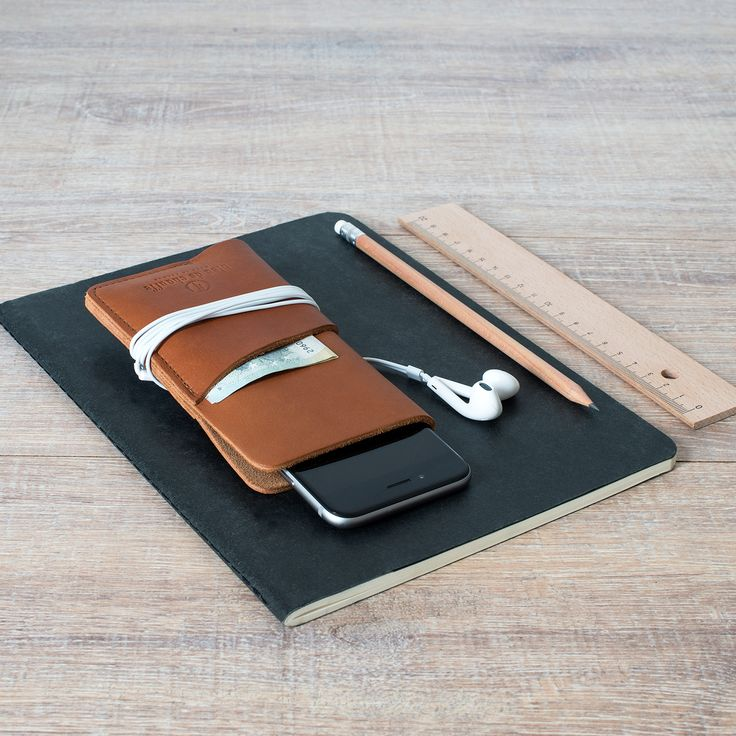 Bleu de Chauffe, Protection iPhone 6 #leather #leathergoods #iPhone6 #Brown