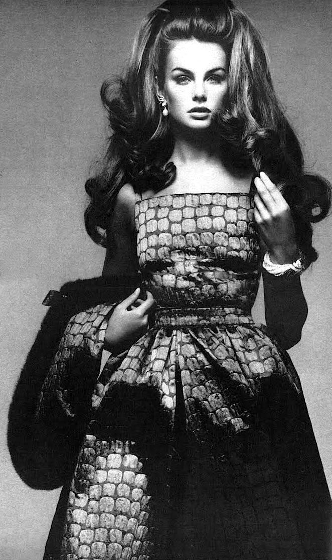 Jean Shrimpton photographed by Richard Avedon, 1966.  una-lady-Italiana.tumblr.com 