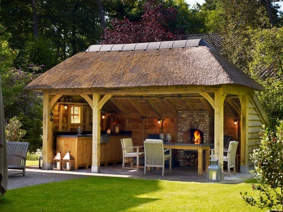 In a small garden room.  Repinned by www.claudiadeyongdesigns.com  www.thegardenspot.co.uk
