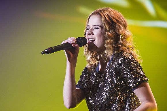 "Wiwi Jury: Belgium's Laura Tesoro with ""What's the Pressure"""