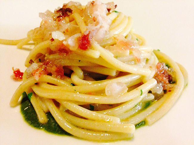 Spaghetto aglio e olio su pesto di basilico e lardo   Food Loft - Il sito web ufficiale di Simone Rugiati