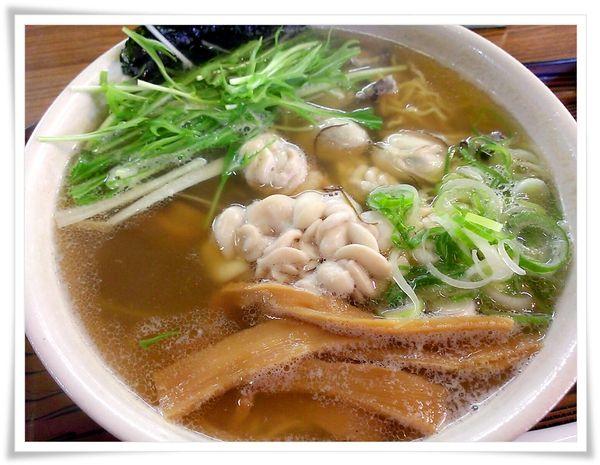 Hideの「何をゆう~、早見優~」 ◆釧路食遊記◆:らーめん工房 魚一(うおっち) 牡蠣とタチの冬ラーメン 魚醤味