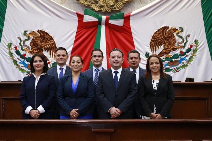 En voz del coordinador de la bancada panista en el Congreso de Michoacán, Carlos Quintana, los diputados del blanquiazul expresaron sus condolencias para los familiares del comunicador; también demandó justicia ...
