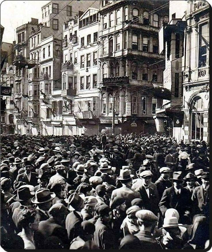 October 6, 1926 in Istanbul liberation celebrations