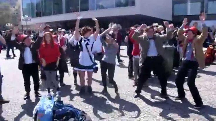 Doctor Who Flashmob - German Whovians Doing The Drunken Giraffe