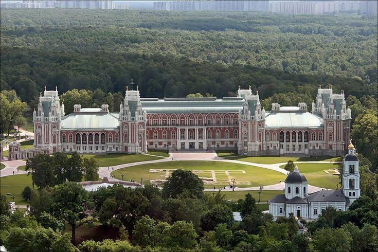 The main palace in Tsaritsyno Marina Lystseva, GNU 1.2
