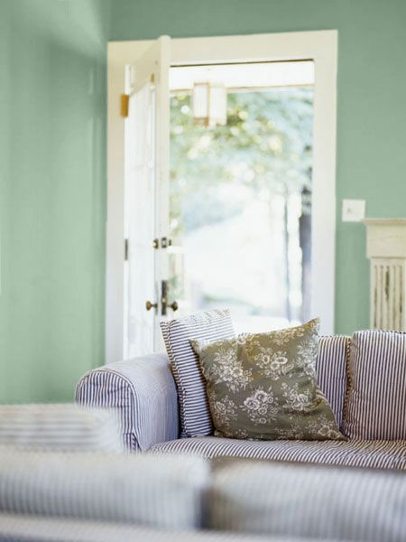 33 Green Living Room Wall Ideas Emerald Green Decorating: 33 Best Mad Men Lingerie Images On Pinterest