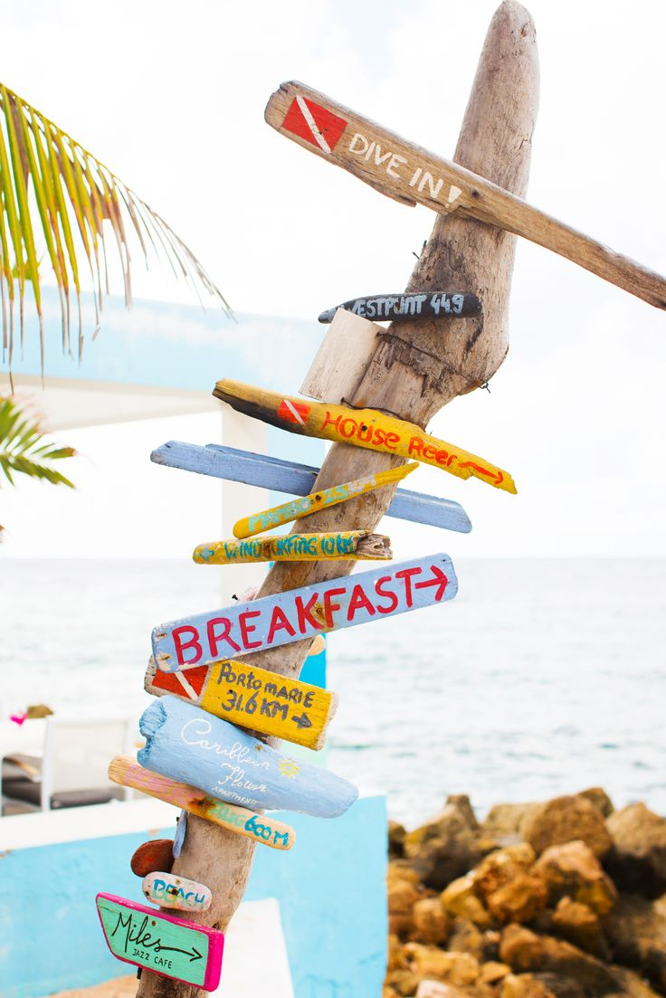 Ocean view - driftwood signing - Scuba Lodge Restaurant - Pietermaai - Willemstad, Curaçao.