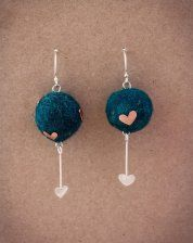 trending now, this is a must have piece of handmade jewellery with a heart design. Love it, buy it  ... www.ietsienice.co.za