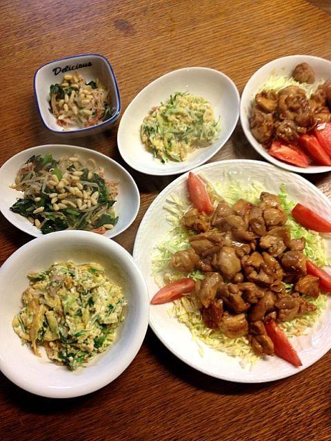 やっぱりちゃんと作ってしまった〜(笑)でもかなりの簡単料理やけどね^^;たまごとツナの組み合わせ大好きだ〜♡♡♡ - 3件のもぐもぐ - ★鶏の照り焼き★水菜とツナの卵とじ★小松菜ともやしのナムル by kate397