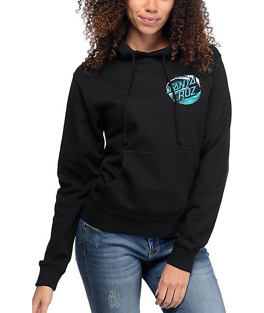 For a classic surf style for the colder seasons reach for the Wave Dot black pullover hoodie from Santa Cruz. Soft fleece lining throughout paired with a turquoise, blue and white Santa Cruz waves screen print will be your ultimate chilly weather go-to it