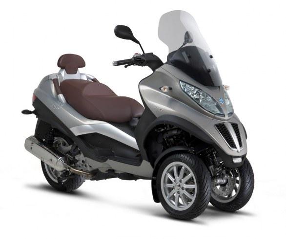 Piaggio Mp3: svelata la nuova gamma LT 2013