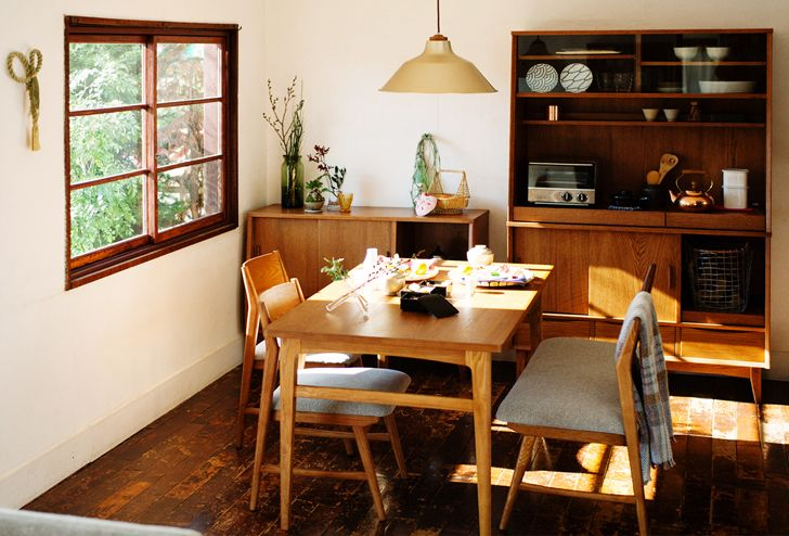 SIGNE(シグネ) ダイニングテーブル W1600 ブラウン | ≪unico≫オンラインショップ:家具/インテリア/ソファ/ラグ等の販売。#dining #self #flower