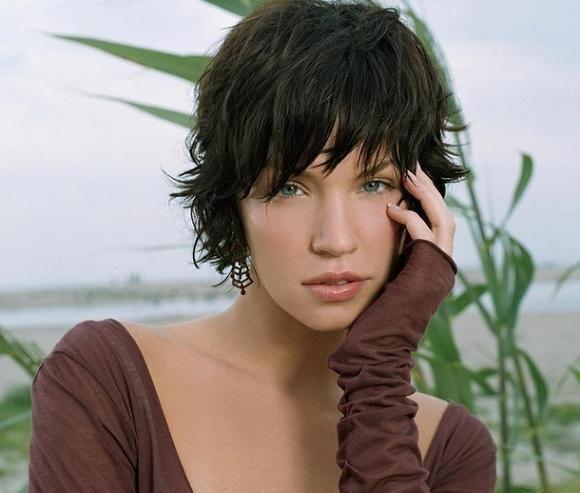 Short Textured Hairstyles Women   Ashley Scott's Layered Textured Short Hairstyle « VIP Hairstyles