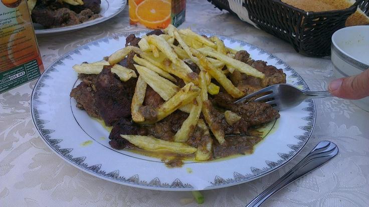 """*Morocco's traditional food    *Bir misafirhane'de bize ikram edilen Fas'ın geleneksel yemeklerinden birisi. İçerisinde bol miktarda """"zahter"""" denilen baharattan var."""